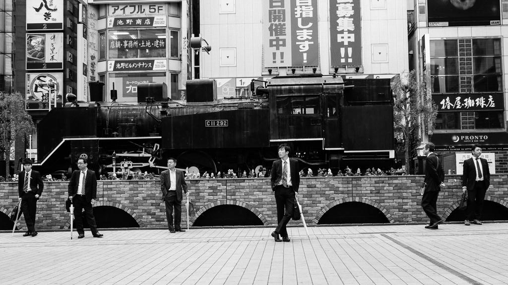 shimbashi_contrast(C)2014JASONWELCH