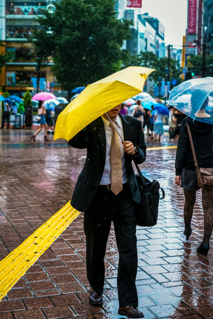 yellow_umbrella(c)2015JASONWELCH