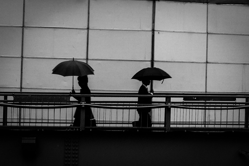 contrast society_shibuya_umbrella(c)2015JASONWELCH